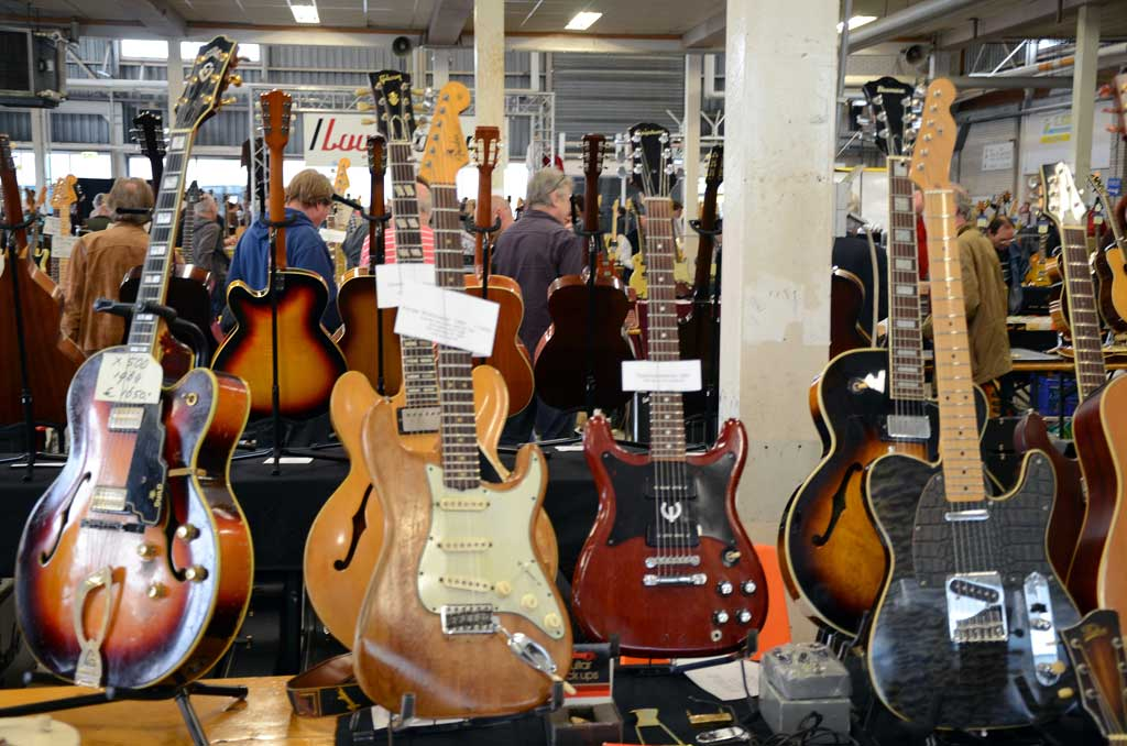 vintage guitar show veenendaal march 2011 - guild x500 from 1964 and other stuff