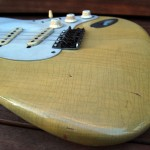 fender stratocaster 1957 blonde refinished - body detail