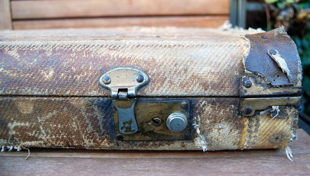 fender stratocaster 1957 blonde refinished - tweed case detail