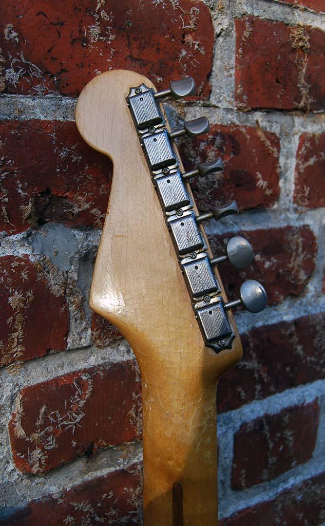 fender stratocaster 1957 blonde refinished - headstock back