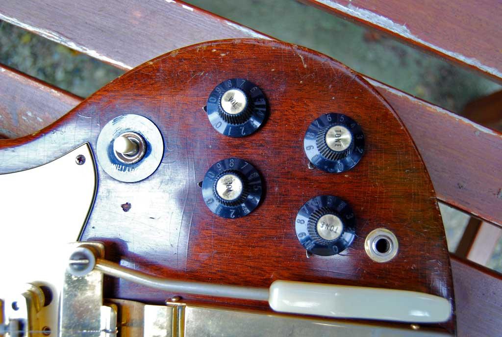 gibson sg custom 1969 - knobs